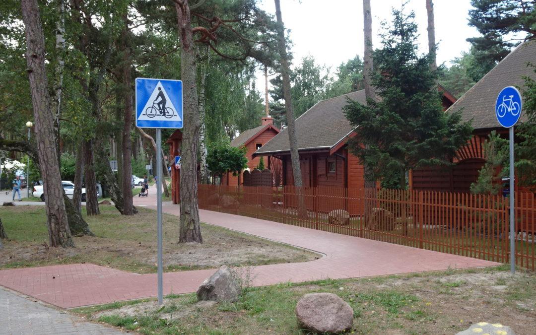 Vorsicht beim Betreten eines Geh-/Radweges als Fußgänger