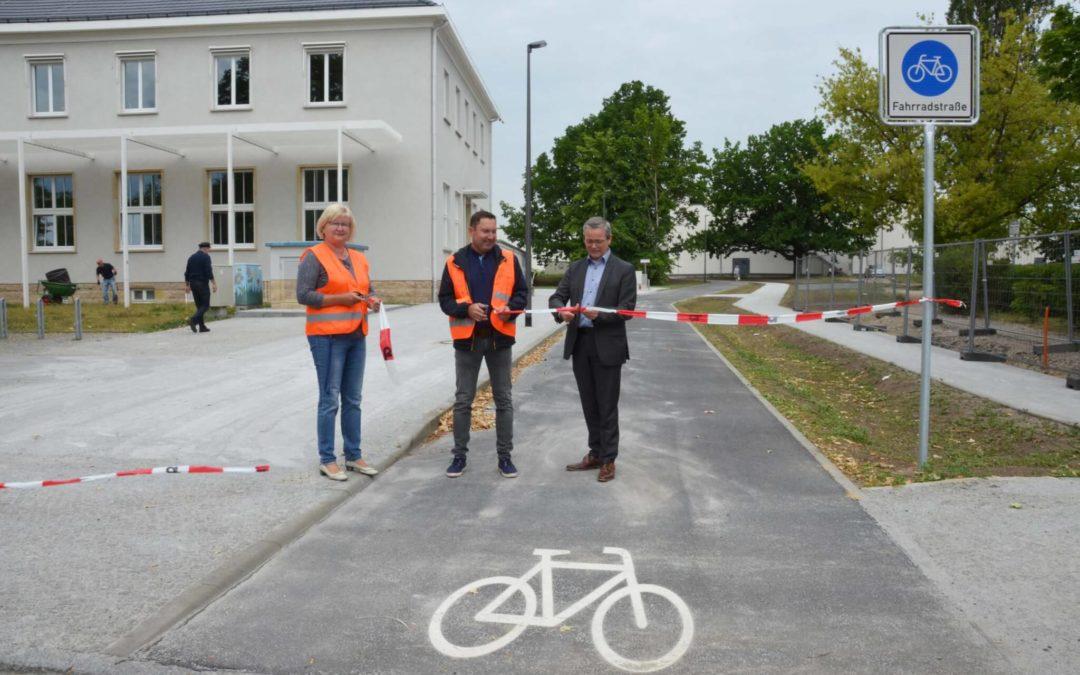 Ludwigsfelde: Bürgermeister eröffnet neue Fahrradstraße